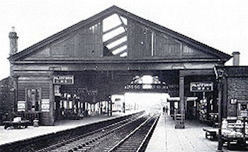 The overall roof at Banbury Station